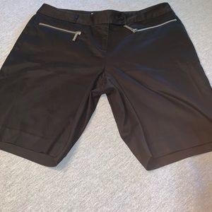 Michael Kors Zippered Pocket Shorts Size 4